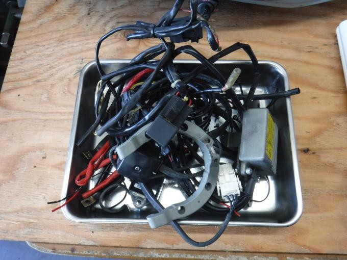 ZRX1100コンさん号の外装交換でした。・・・その1_a0163159_21391879.jpg