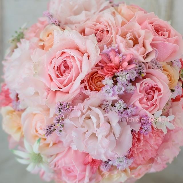 ラウンドブーケ 明治記念館様へ お色直しのバラはヴィクトリアンシークレット_a0042928_22461025.jpg