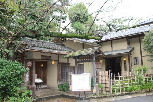 明治150年記念・日本を変えた「千の技術博」見学後の昼食は、韻松亭(上野公園内)で_c0075701_23050856.jpg