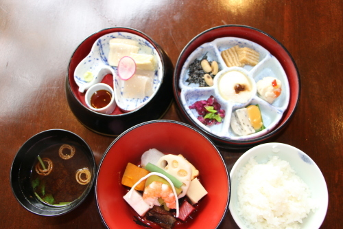 明治150年記念・日本を変えた「千の技術博」見学後の昼食は、韻松亭(上野公園内)で_c0075701_23184320.jpg