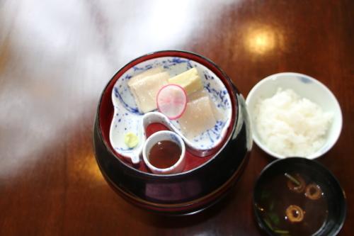 明治150年記念・日本を変えた「千の技術博」見学後の昼食は、韻松亭(上野公園内)で_c0075701_23193159.jpg