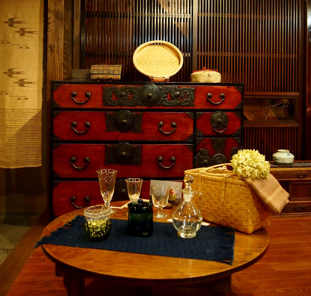 9月のヨガと夜カフェのお知らせ_b0237338_07401576.jpg