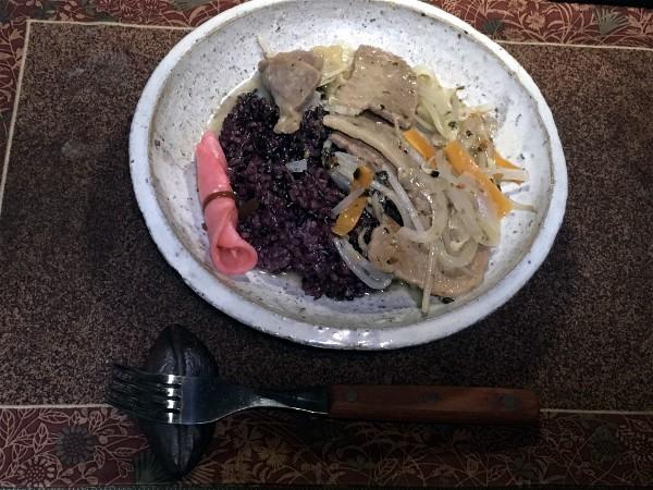 夕飯は本部牛の野菜炒め_e0166355_20221084.jpg