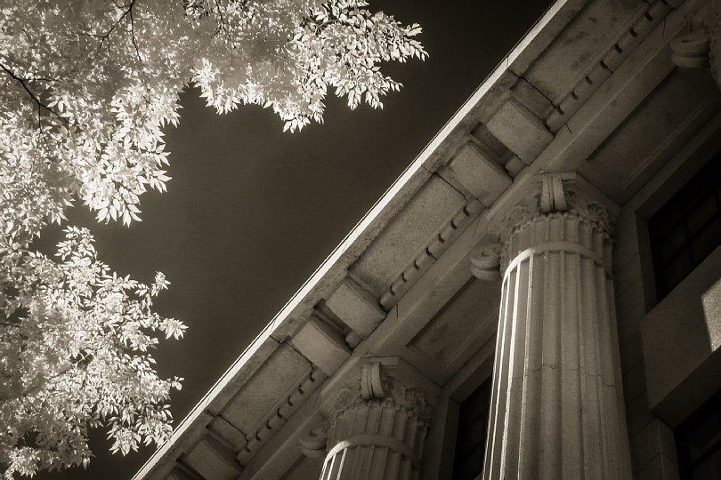 Corinthian Pillars In Scorching Afternoon_d0353489_20553422.jpg