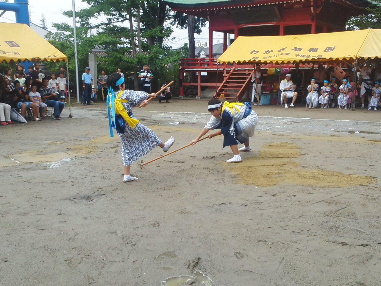 棒ささらの奉納、小名浜諏訪神社例大祭夏祭_e0068696_1827109.jpg