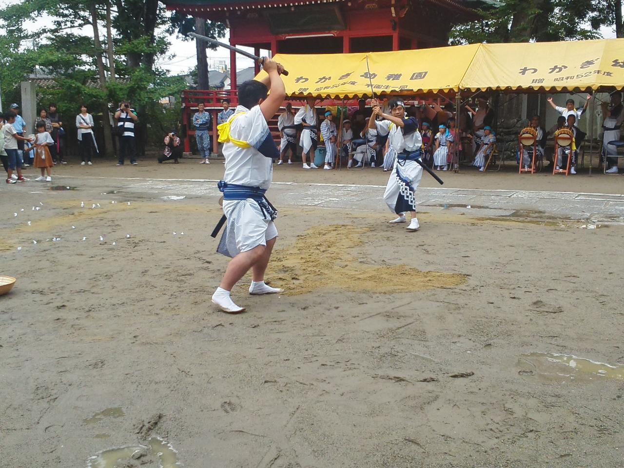 棒ささらの奉納、小名浜諏訪神社例大祭夏祭_e0068696_18284725.jpg