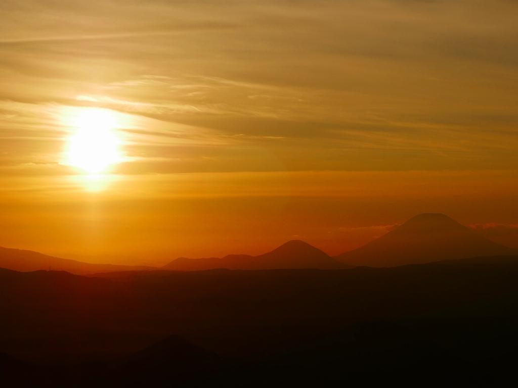 樽前山からの夕日、2018.9.2_f0138096_16203455.jpg