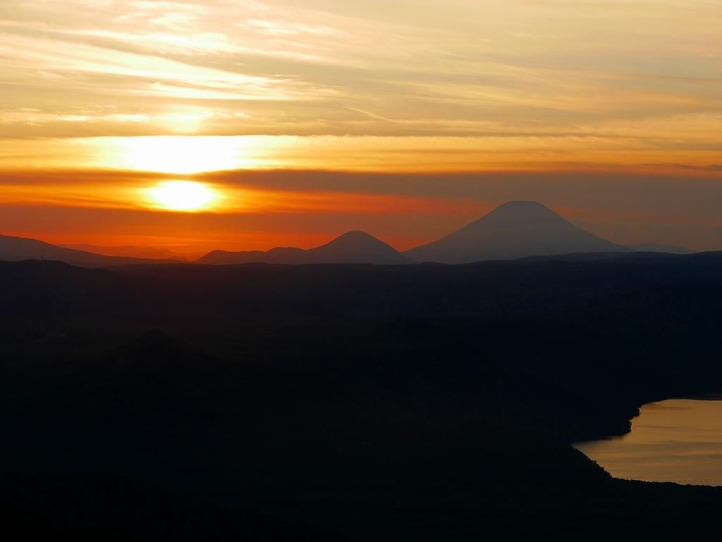 樽前山からの夕日、2018.9.2_f0138096_16214873.jpg