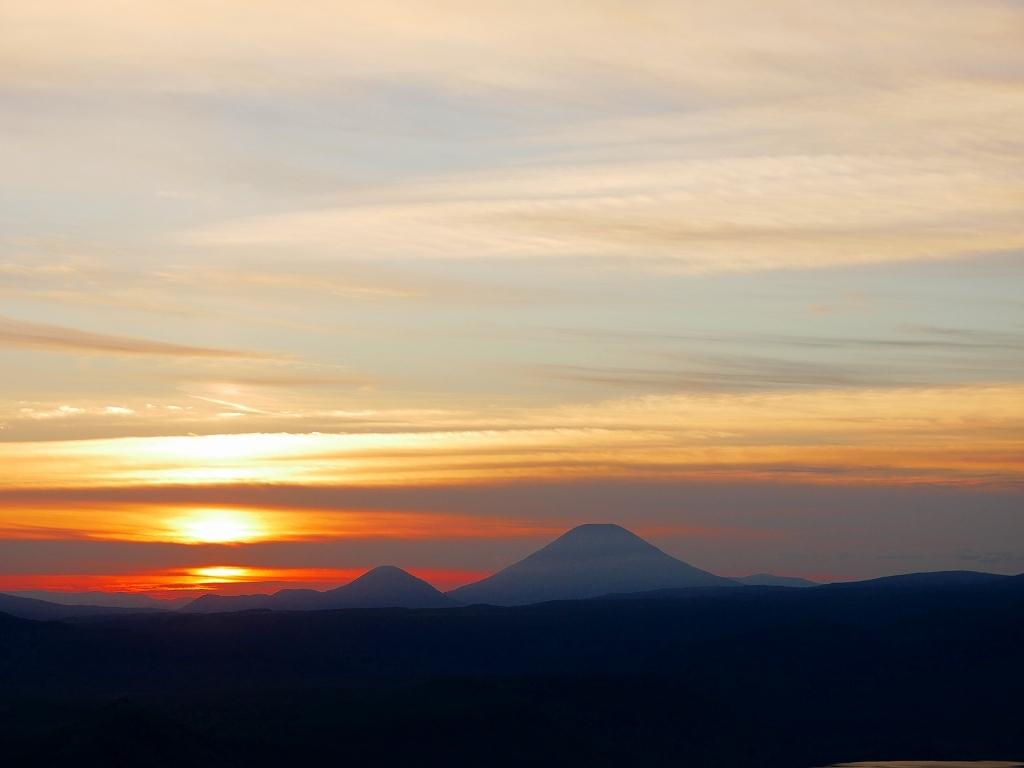 樽前山からの夕日、2018.9.2_f0138096_16230423.jpg
