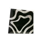 身につける漆 蒔絵のアクセサリー ペンダント・ブローチ プラチナ箔 フレア 黒色 坂本これくしょんの艶やかで美しくとても軽い和木に漆塗りのアクセサリー SAKAMOTO COLLECTION wearable URUSHI accessories MAKIE brooch Platinum Flare Jet black 漆黒の黒に朝顔型の広がりをイメージする「フレア」をプラチナ箔で描いたアートのような蒔絵、ボリュームの割にとても軽く服の生地を傷めにくく着け心地も良好、華やかながら派手すぎない飽きのこないシンプルデザインが人気、繊細かつ丁寧に作り上げた職人の技が光る一品です。 #漆のアクセサリー #軽いブローチ #蒔絵のブローチ #漆のブローチ #プラチナ箔 #フレア #漆黒 #accessories #brooch #JetBlack #Roma #Flare #pendant #Platinum #Makie #蒔絵が印象的 #漆塗り #シンプルなデザイン #坂本これくしょん
