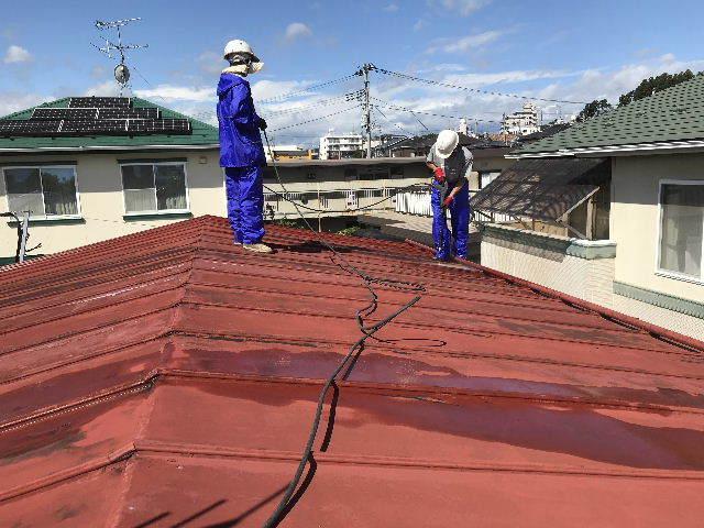 屋根塗装 初日高圧洗浄_f0031037_19380489.jpg