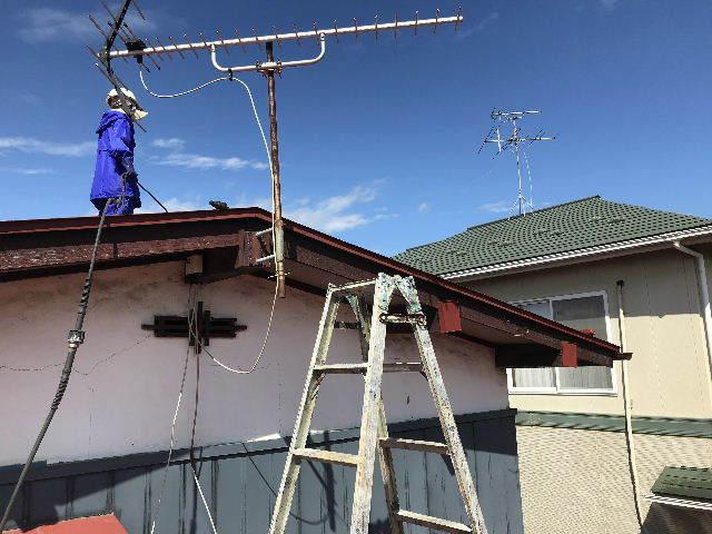 屋根塗装 初日高圧洗浄_f0031037_19381133.jpg