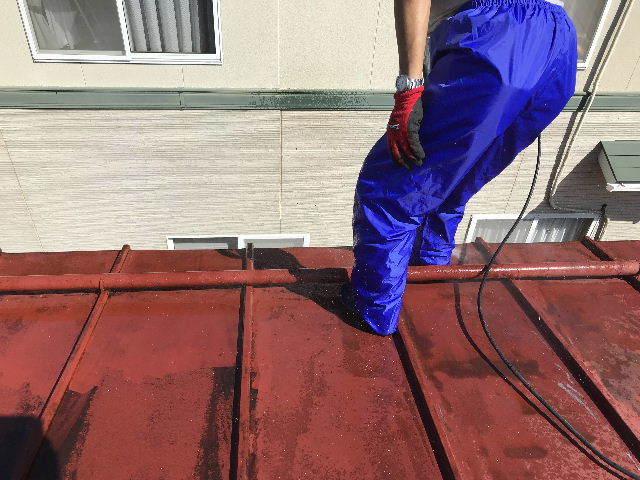 屋根塗装 初日高圧洗浄_f0031037_19381164.jpg