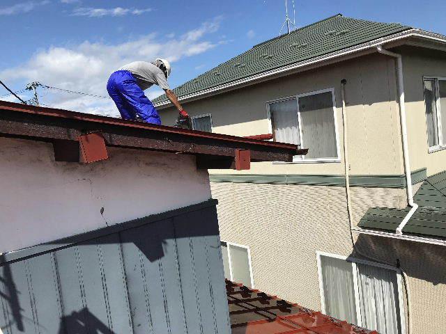 屋根塗装 初日高圧洗浄_f0031037_19381185.jpg