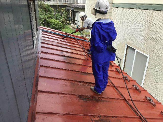 屋根塗装 初日高圧洗浄_f0031037_19402039.jpg