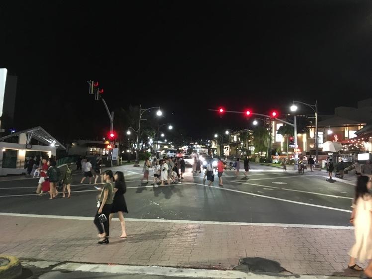 タモンの街が賑わっております。_d0012449_20232072.jpeg