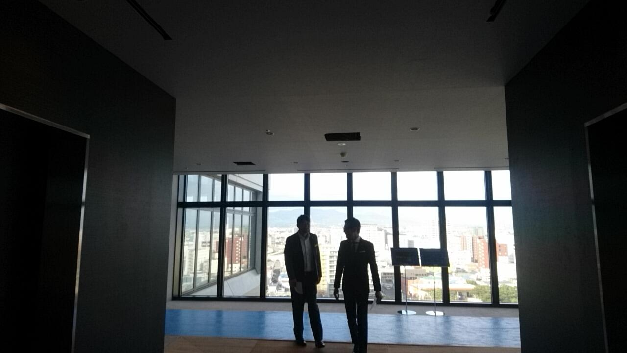函館国際ホテル内覧会、スタイリッシュな客室、眺めが良い大浴場_b0106766_16413030.jpg