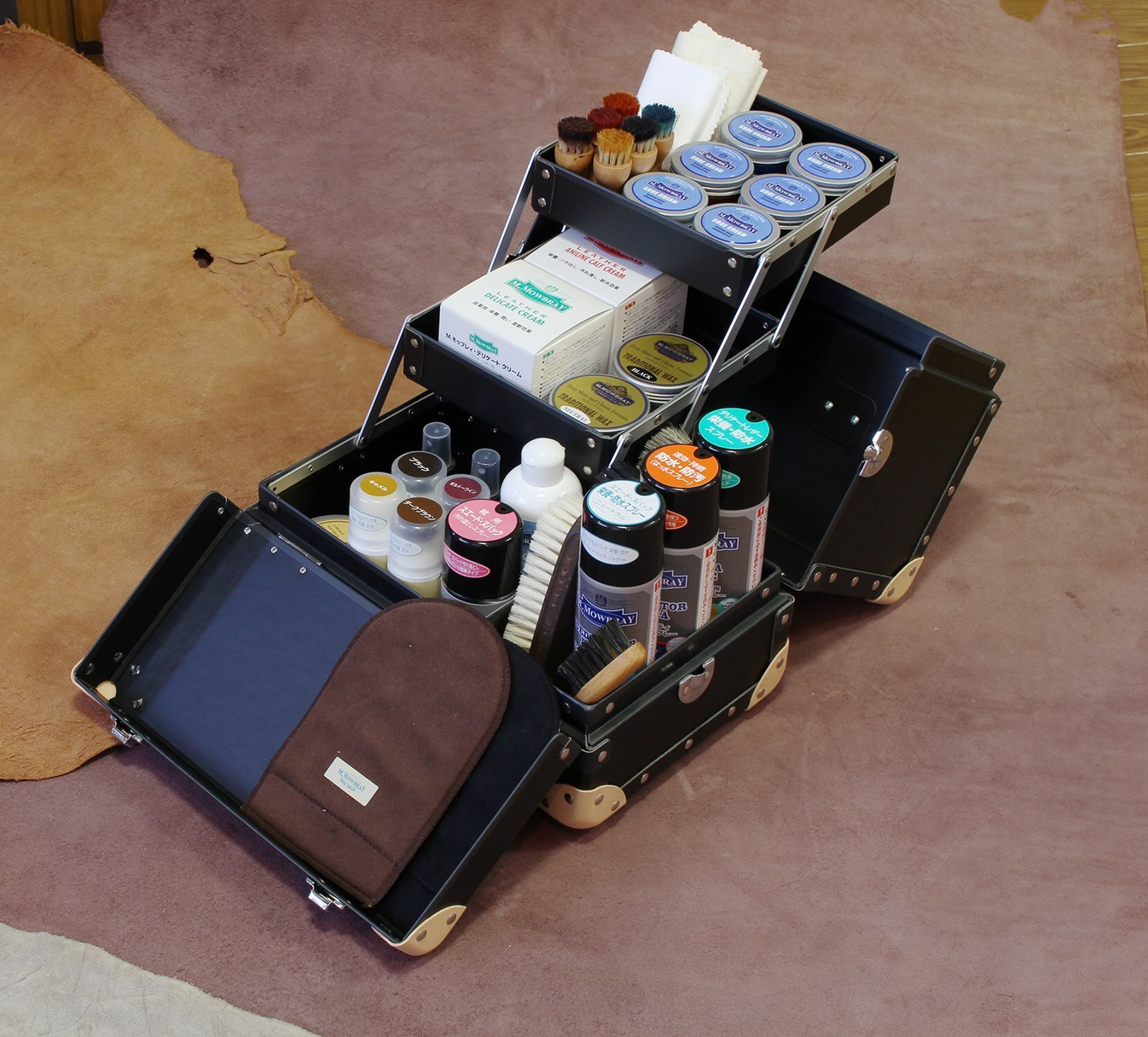 【靴磨きの日】安達紙器、開けてみた_d0166598_15331006.jpg