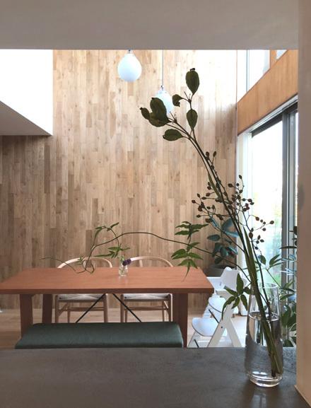 素材感のある造作キッチン_b0183404_14203761.jpg