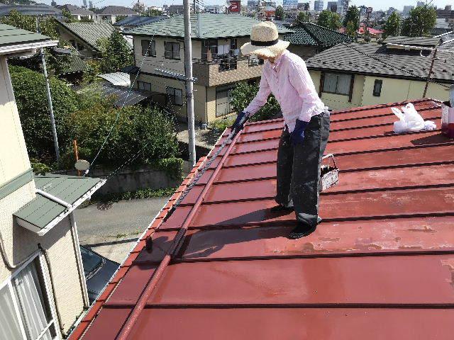屋根塗装2日目_f0031037_19524618.jpg