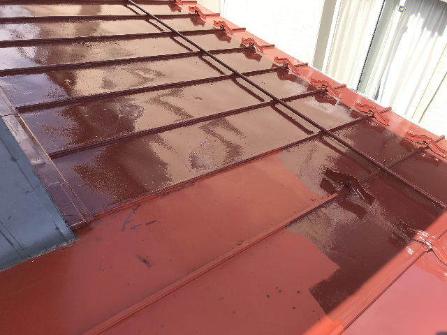 屋根塗装2日目_f0031037_19541190.jpg