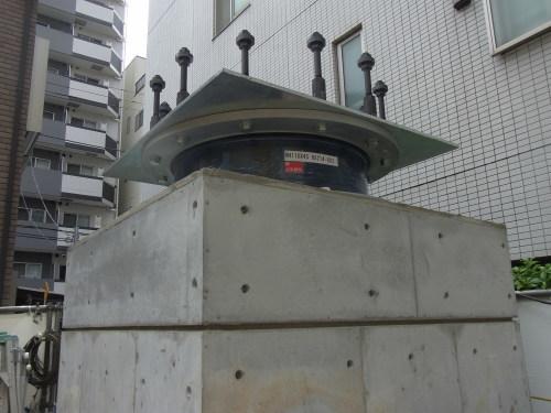 免震マンション工事中_e0118750_10040081.jpg
