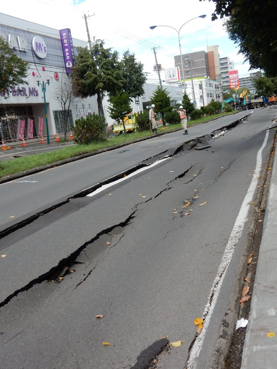 雨ニモ風ニモ地震ニモマケナイ_c0025115_23231512.jpg
