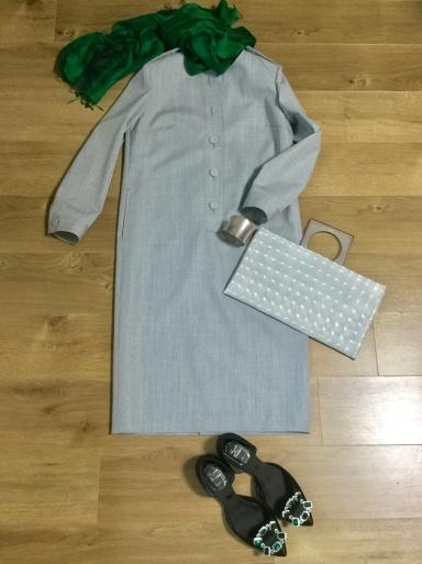 ウールワンピース「Gray 」をどう着る?①_b0210699_00450681.jpeg