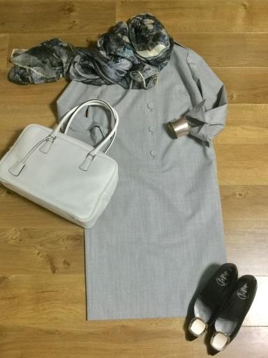 ウールワンピース「Gray 」をどう着る?①_b0210699_00453733.jpeg