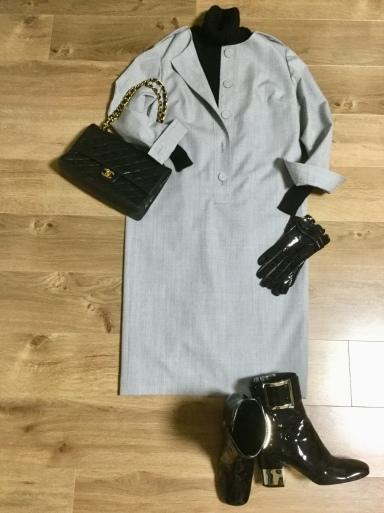 ウールワンピース「Gray 」をどう着る?①_b0210699_00461183.jpeg