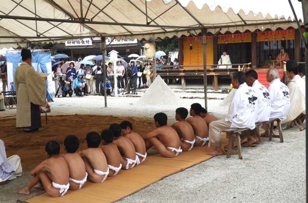烏相撲 上賀茂神社_e0048413_16511197.jpg