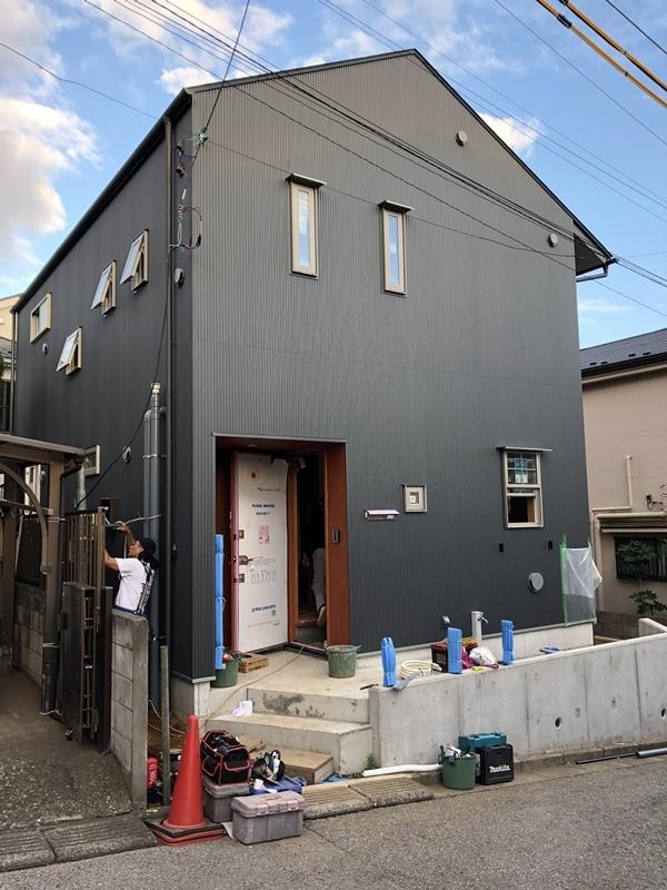 『飯山満の家Ⅱ』完成間際_c0019551_16180164.jpg