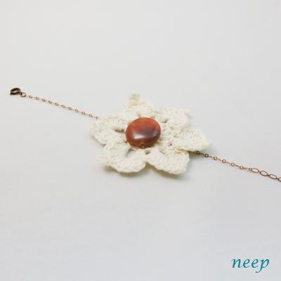 Br 手編みのお花とアゲート (4420)_e0104046_16035825.jpg