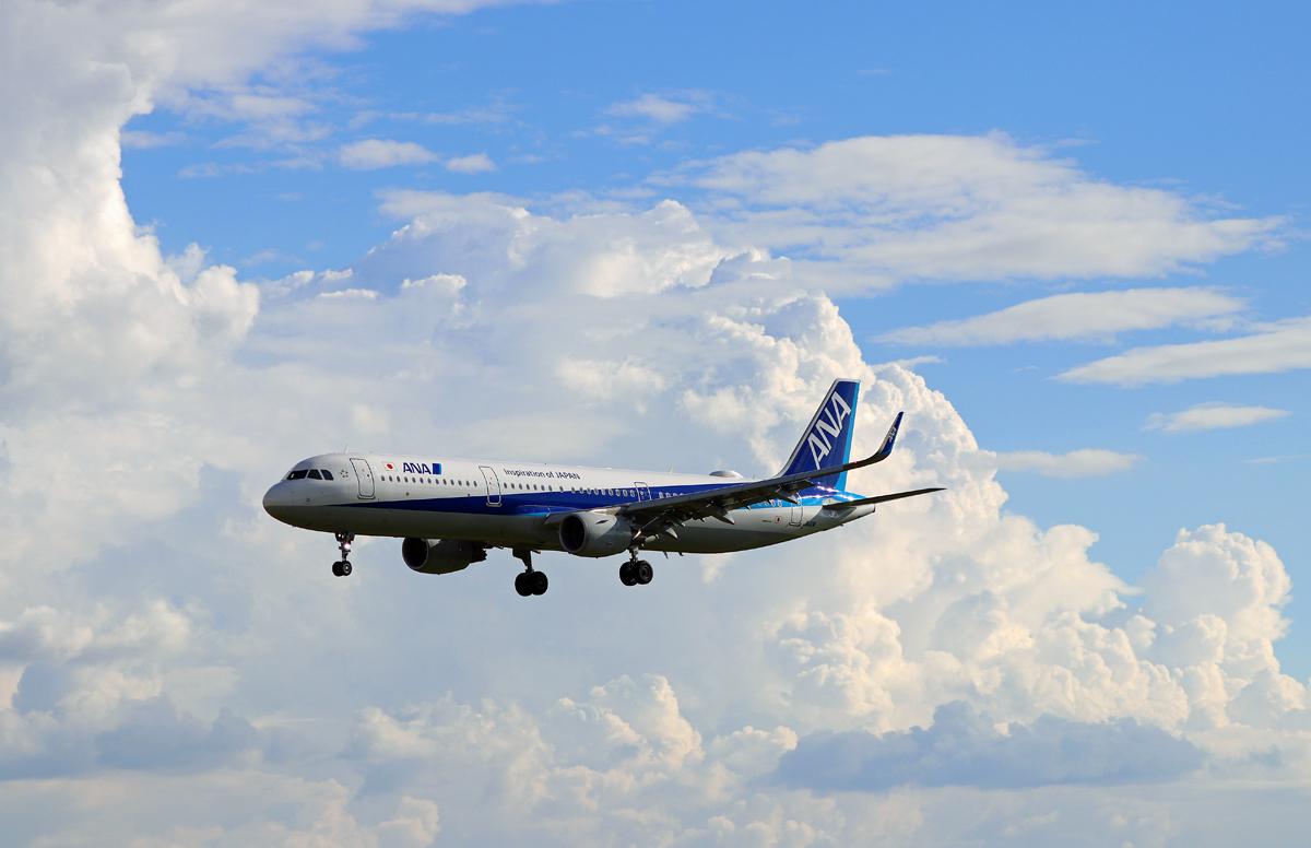雲と飛行機。_b0044115_09263088.jpg