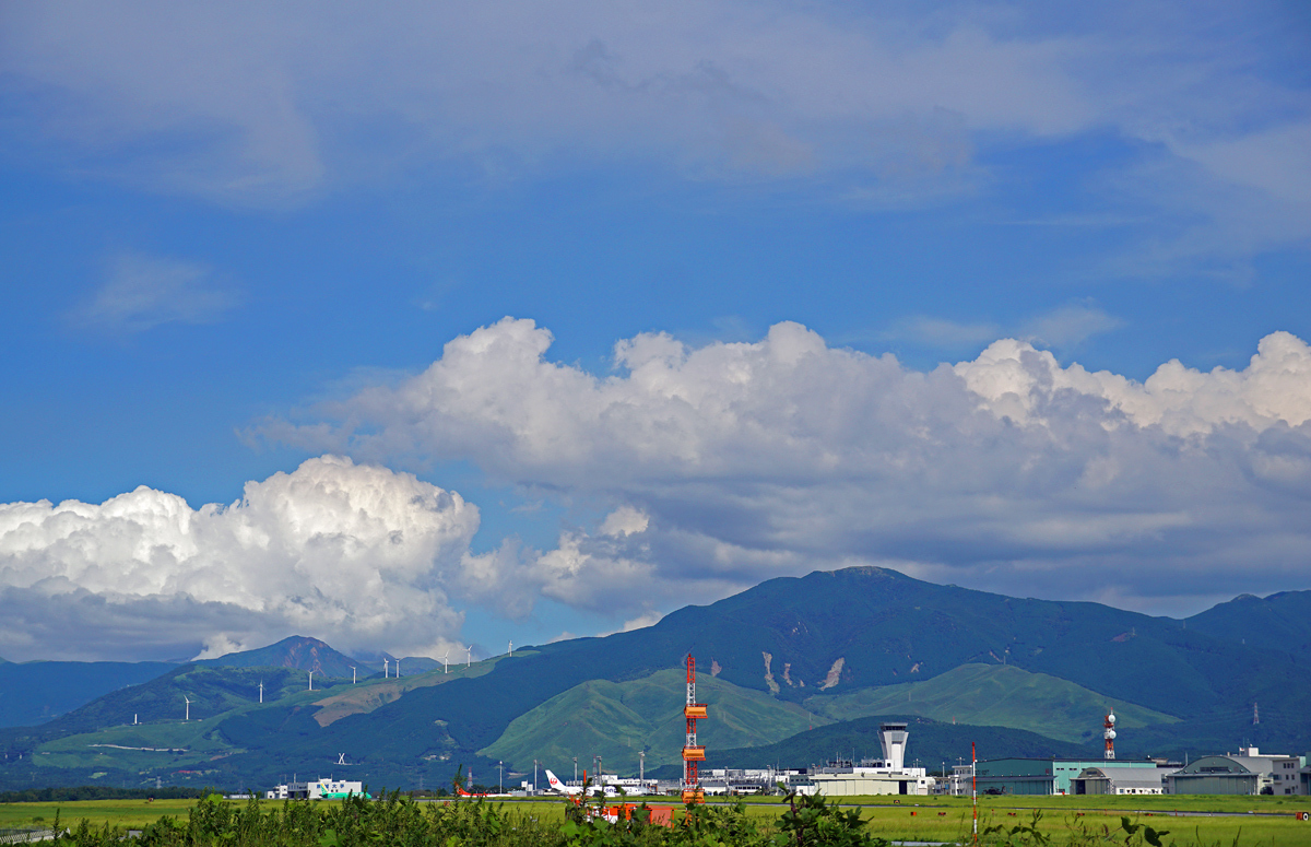 雲と飛行機。_b0044115_09275049.jpg