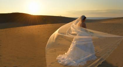 ギリギリでした......先日の婚礼前撮りは鳥取砂丘で......._b0194185_22121291.jpg
