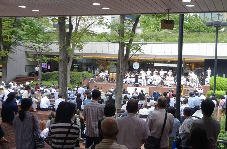 新宿三井ビルで昼休みコンサート_f0059673_22322313.jpg