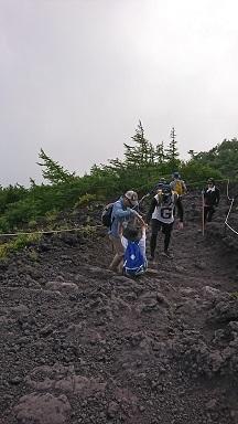 富士山ミニ登山2018#1 (異文化合流編「自閉症は文化だ!気持ちよくバラバラ!」)_f0195579_07373454.jpg