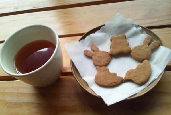 """""""あぶぶ""""のおやつは「きな粉クッキー」_d0131255_16163676.jpg"""
