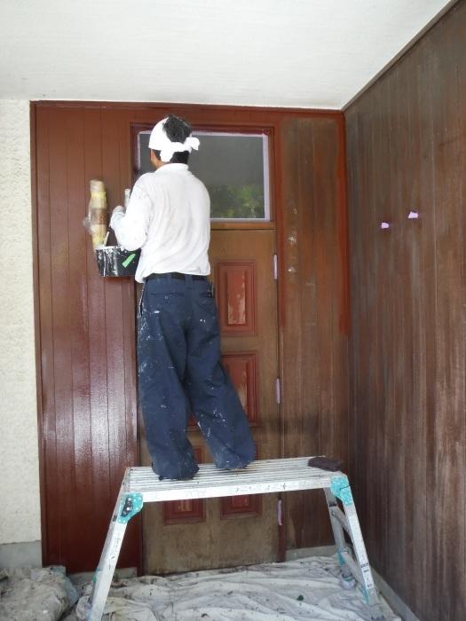 空き屋リフォーム ~玄関、戸袋など塗り替えして終了になりました。_d0165368_07385395.jpg