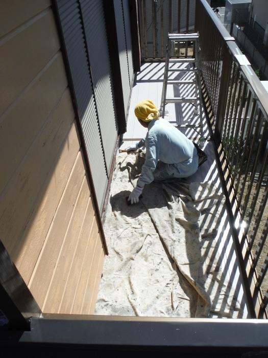 空き屋リフォーム ~玄関、戸袋など塗り替えして終了になりました。_d0165368_07405655.jpg