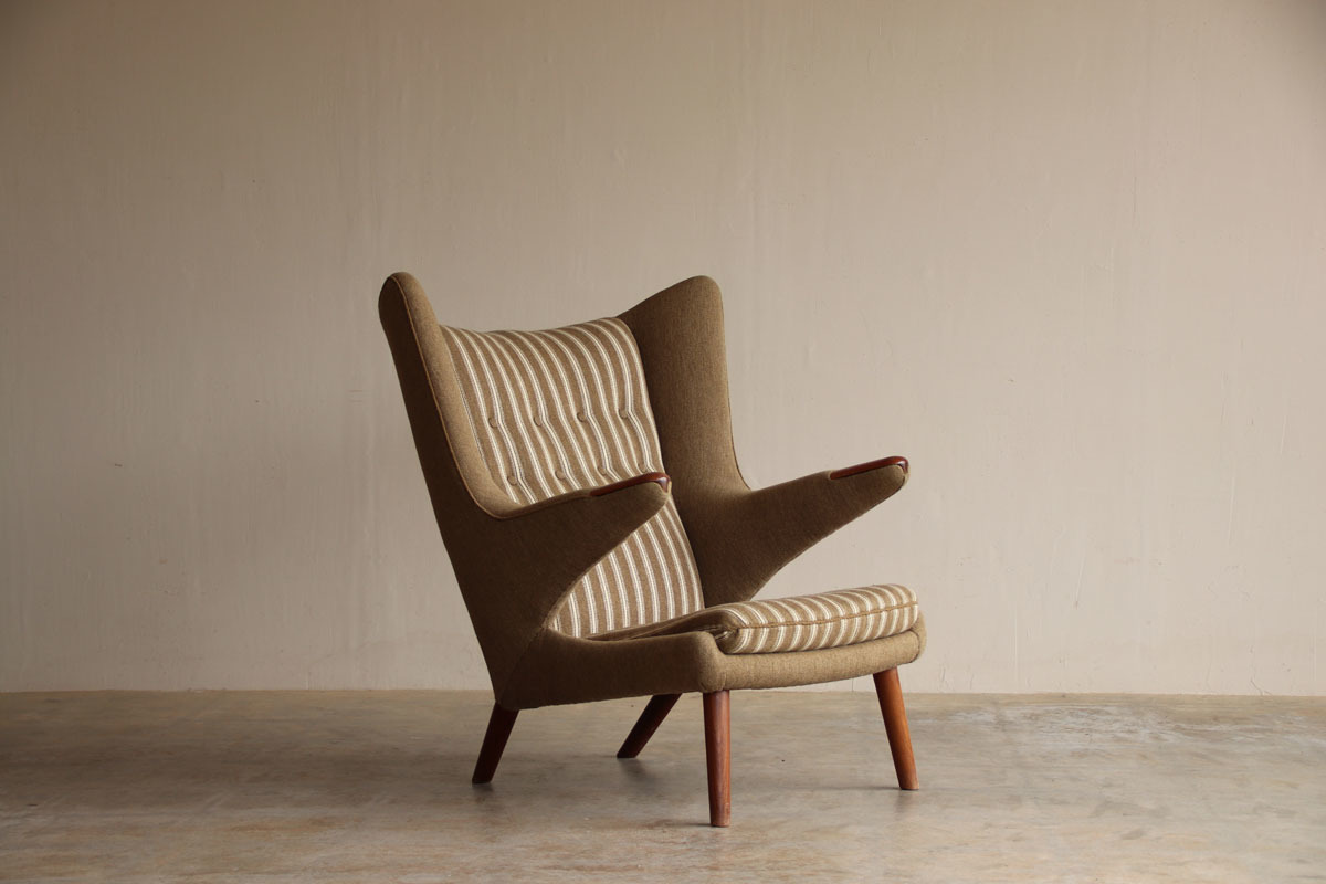 『Hans J Wegner Teak AP19 ベアチェア(Papa Bear Chair)』_c0211307_18373941.jpg