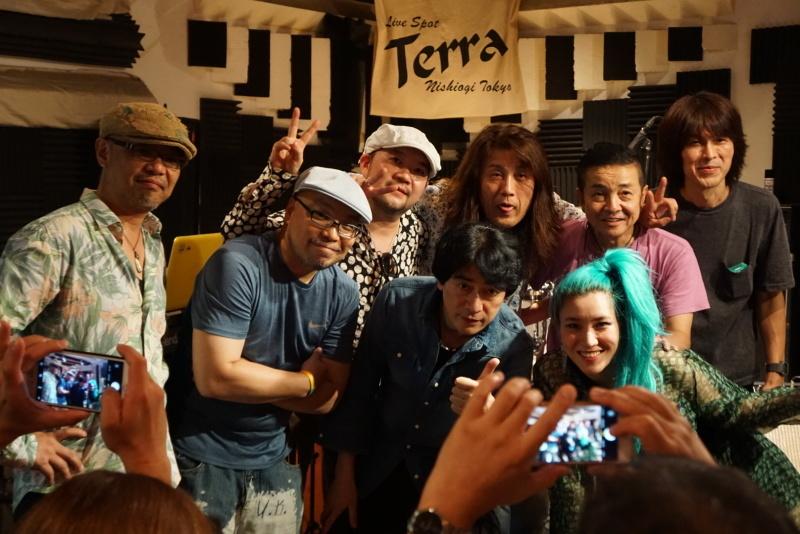 HAJIME & ISSY LIVE 大盛況!_d0353129_03233214.jpg