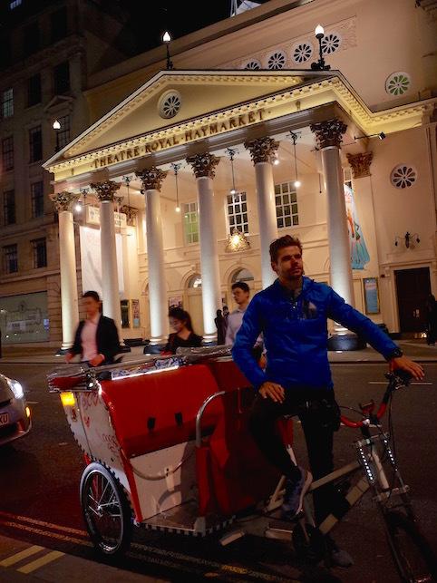 ロンドン(1)オペラ座の怪人_f0134963_23153045.jpg