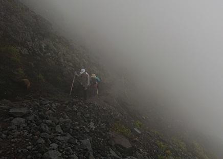 富士山ミニ登山2018#2(他事業所合流編 「いかした奴らとキモちE」)_f0195579_08533982.jpg