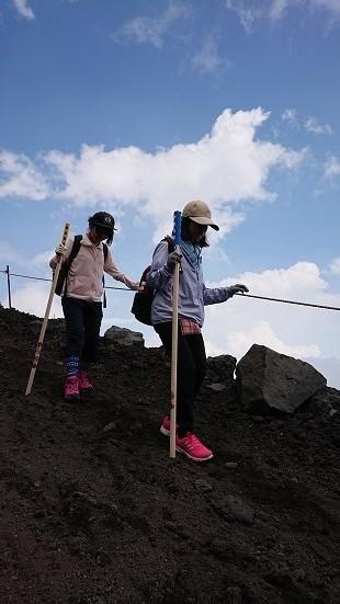 富士山ミニ登山2018#2(他事業所合流編 「いかした奴らとキモちE」)_f0195579_08552303.jpg