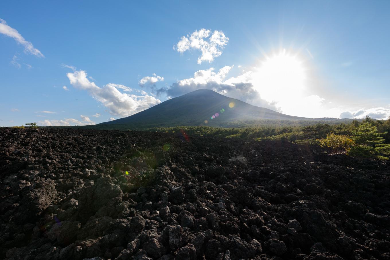 溶岩の上を歩こう!「焼走り溶岩流」_c0369219_16382937.jpg