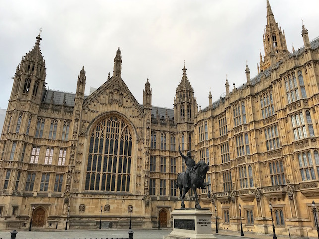 ロンドン(2)ウエストミンスター宮殿と、大聖堂と・・・_f0134963_21391702.jpg