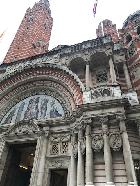 ロンドン(2)ウエストミンスター宮殿と、大聖堂と・・・_f0134963_21550342.jpg