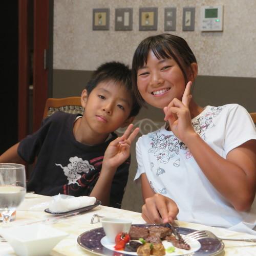 桶川の山崎ファミリー2人と米沢ファミリーとでカラオケへ_c0075701_22101515.jpg